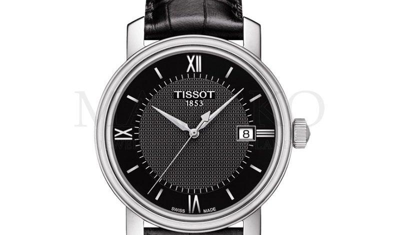 czarny zegarek marki Tissot